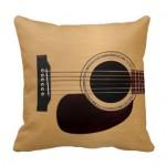 Gitarlı Yastık