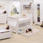 Beyaz-Bebek-Odasi-Dekorasyonu