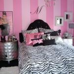 Pembe Siyah Yatak Odası