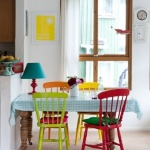 Renkli Yemek Masası