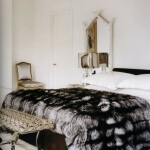 Kürk Örtülü Yatak Odası