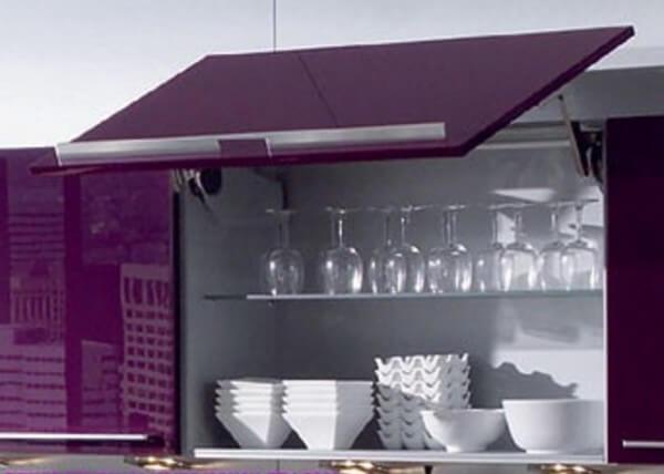 Mürdüm Rengi Mutfak Dolapları