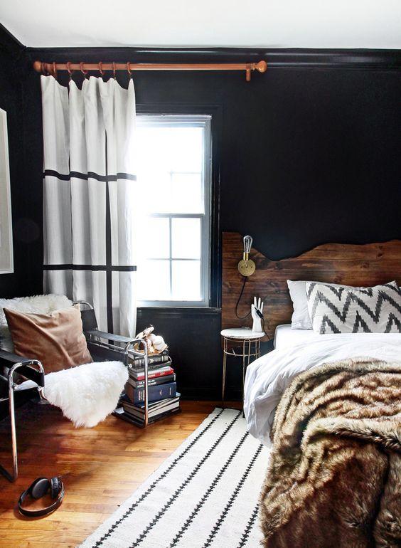 Siyah Yatak Masası