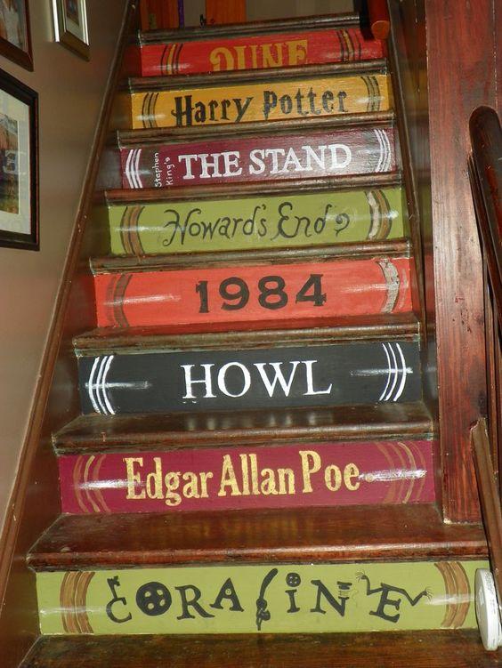 Kitaplar Şeklinde Merdiven
