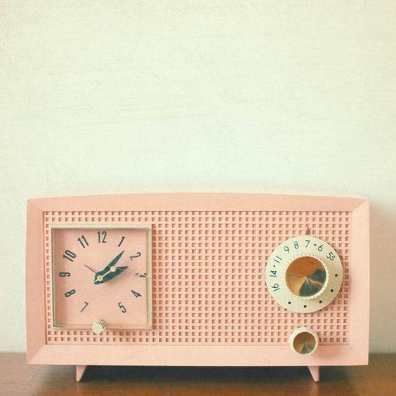 Dekorasyonda Saatli Radyo