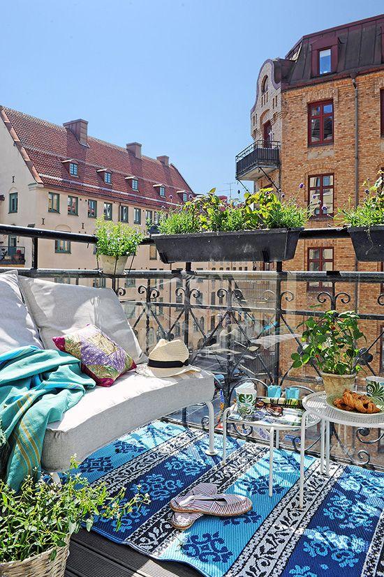 Küçük Balkon
