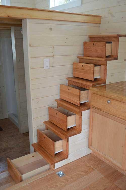 Çekmeceli Merdivenler