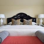Leopar Desenli Yatak Odası
