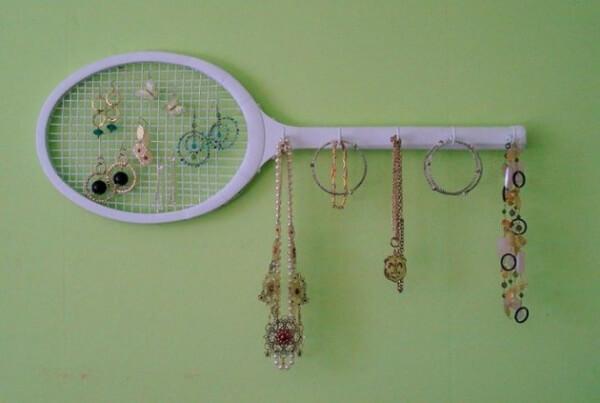 Tenis Raketinden Takı Organizatörü