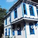 Mavi Beyaz Ev