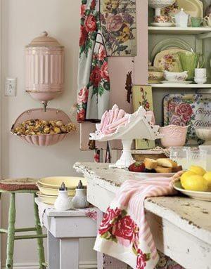 Mutfakta Çiçek Deseni