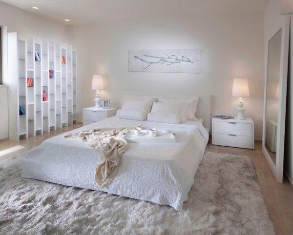 beyaz-minimalist-yatak-odasi-dekorasyonu-2