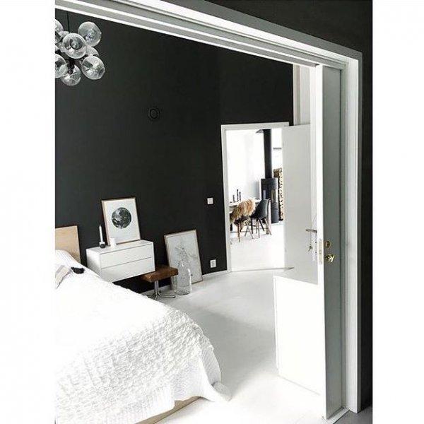 beyaz-minimalist-yatak-odasi-dekorasyonu-6