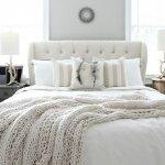 beyaz-ve-krem-renk-yatak-dizayni