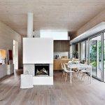minimalist-ve-modern-mutfak-dekorasyonu-eames-sandalyeler-ile