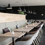 restoran-dekorasyonu-siyah-aydinlatma