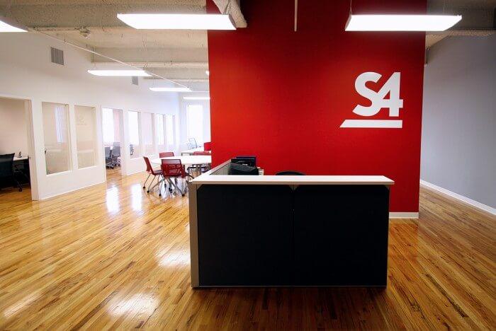 Kırmızı Ofis Dekorasyonu