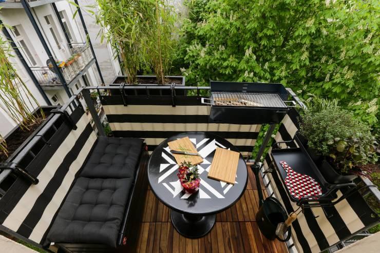 kucuk-ama-modern-balkon-dekoru