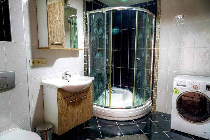 modern-gorunumlu-banyo-dekoru